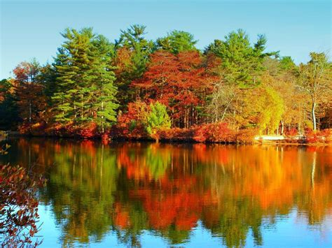 Autumn Lake Wallpapers by Autumn Lake Wallpapers 1600x1200 877652