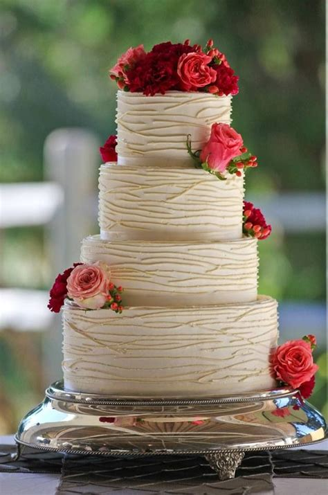simple doesn t boring these wedding cakes prove simple can be absolutely stunning