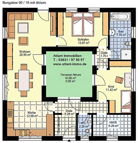 Bungalow Mit Innengarten by Atriumbungalow Quadrat 90 16 Einfamilienhaus Neubau