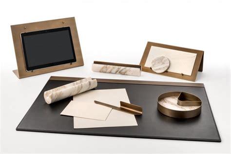 oggetti per scrivania studiocharlie firma il set da scrivania in marmo per salvatori