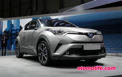 Gambar Mobil Gambar Mobiltoyota Chr Hybrid by Kapan Toyota Chr Masuk Indonesia Automotife