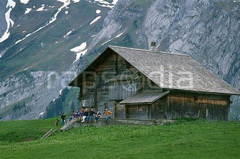 photos chalet d alpage massif des aravis haute savoie europe cee cabane tavaillon