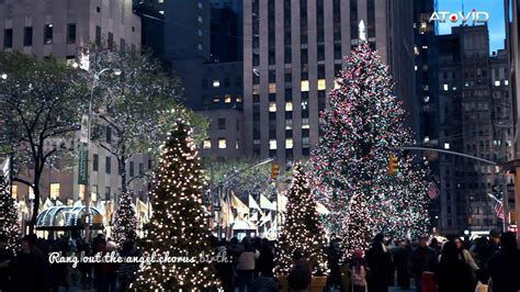 when do christmas decorations go up in new york 2017