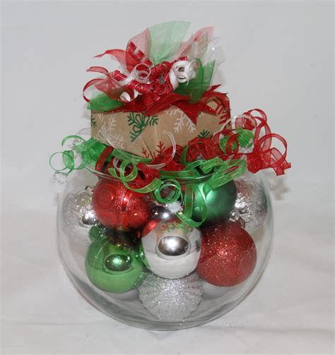 christmas centerpiece red green  white holiday decor