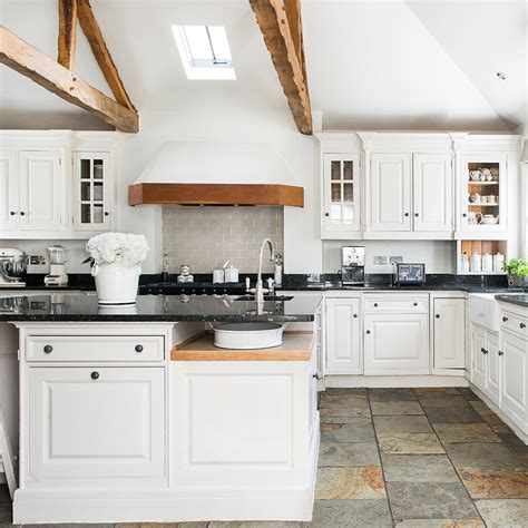 Kitchen Flooring Ideas To Give Your Scheme A New Look