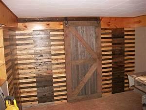 Walls & Sliding Barn Door Made from Pallets • 1001 Pallets
