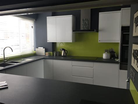 lime green splashback kitchen glass splashbacks pavilion glass 7110