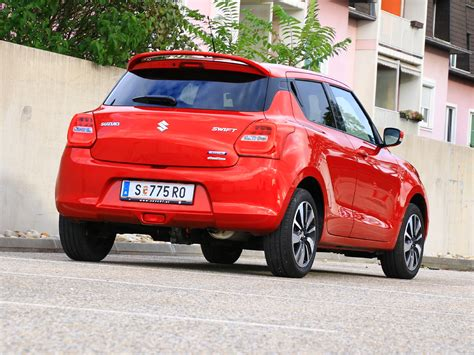 With a host of smart features to assist you and make driving easier and safer, this is a car that fills you with confidence and makes every journey more enjoyable. Suzuki Swift 1.2 Dualjet SHVS Allgrip - Testbericht ...