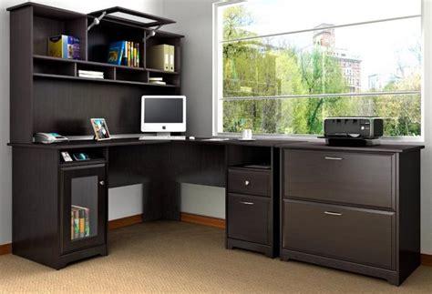 grand bureau d angle un bureau informatique d 39 angle quel bureau choisir pour