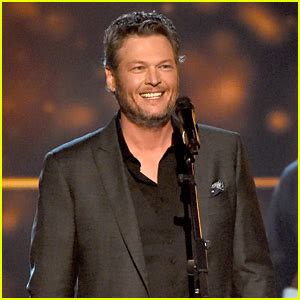 blake shelton awards dierks bentley photos news and videos just jared page 3