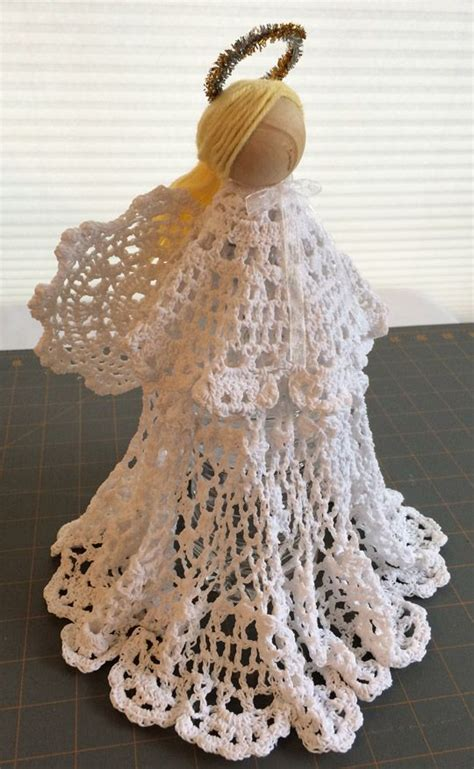 starched doily christmas angel  christmas crafts vi