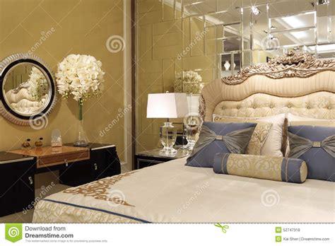 le mur de miroir dans la chambre 224 coucher photo stock image 52747318
