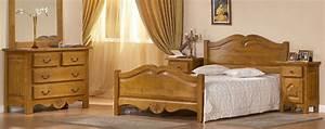 Meuble De Chambre : chambre classique en merisier grenadine meubles bois massif ~ Teatrodelosmanantiales.com Idées de Décoration
