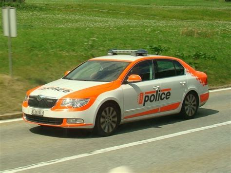 swiss police skoda superb police cars politie autos