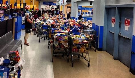 Wal-marts Cleaned Out By Food Stamps Glitch Will Be Forced