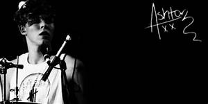 Ashton Irwin Twitter Header - tweet me @heartcake_girl if ...