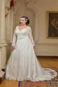 kiyonna wedding dress 20 amazing plus size wedding dresses weddingsonline