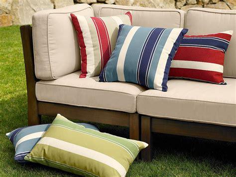 canapé coussin de sol coussin de canape pas cher 28 images coussins salon de