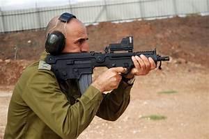 Tavor assault rifles   Frontlines of Revolutionary Struggle