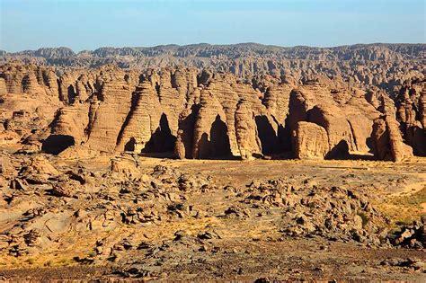 Tamrit - I pinnacoli di Tamrit, uno dei paesaggi più ...