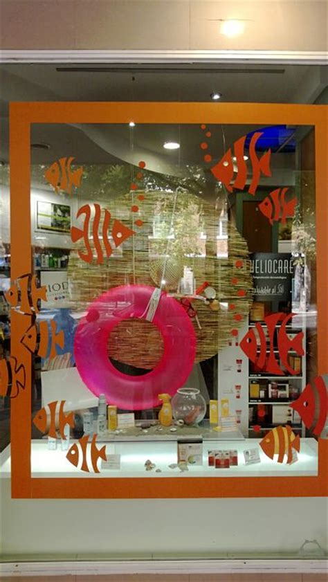 store window display ideas visual merchandising cool