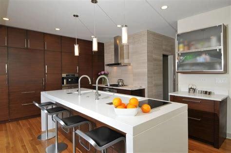 cuisine quartz plan de travail cuisine en blanc quartz ou corian ilot central bar cuisine avec ilot