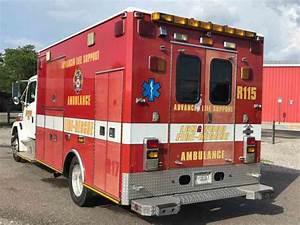 Freightliner Fl60 Extended Cab Ambulance  2000
