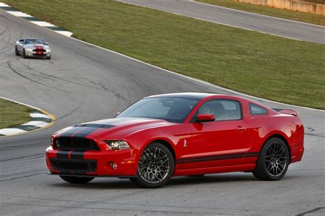 Gt500 200 Mph by 2013 Ford Mustang Shelby Gt500 Hits 200 Mph At Nardo