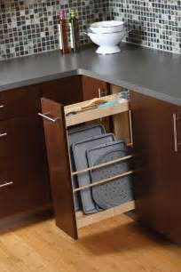 Under Cabinet Trash Can Holder by Cardinal Kitchens Amp Baths Storage Solutions 101 Pull