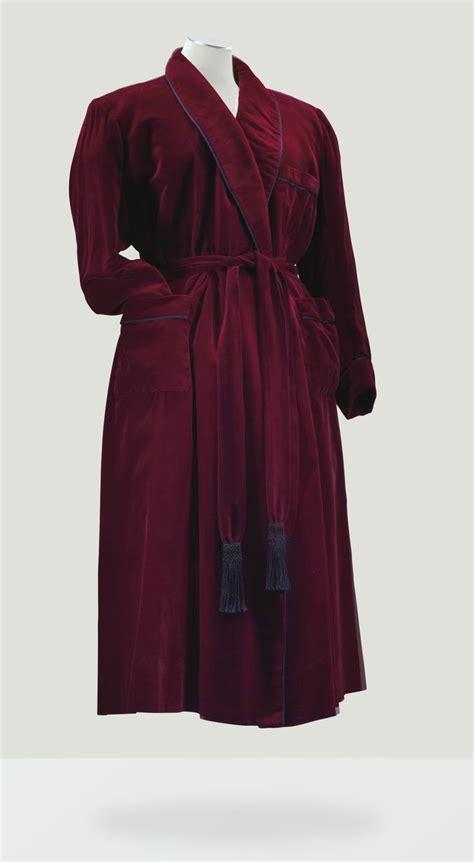 robe de chambre velours balenciaga haute couture circa 1950 robe de chambre en