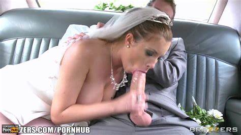 Homemade Lady With Giant Deepthroats Rides Prick Toy