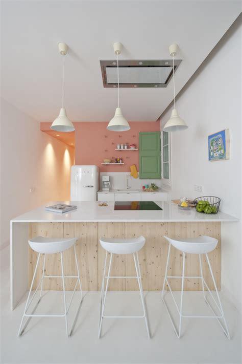 hauteur plan de cuisine cuisine avec table hauteur plan de travail
