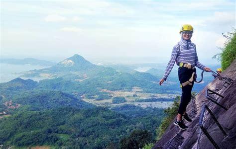 tempat wisata  purwakarta terbaru  hits