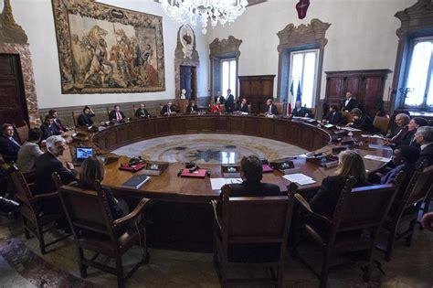 Decisioni Consiglio Dei Ministri Di Oggi by Governo Le Decisioni Cdm Dall Energia Alle Lobby