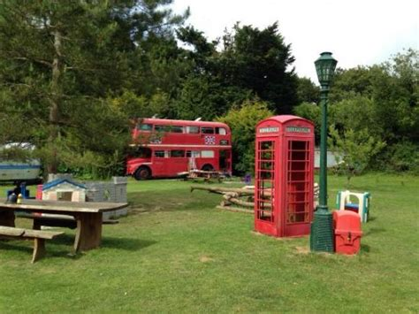 Blackberry Wood Tree Houses, Helicopter & Glamping