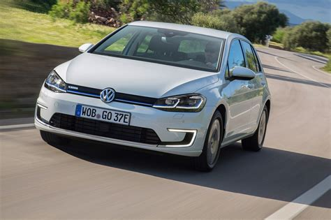 2017 Vw E-golf Review By Car Magazine