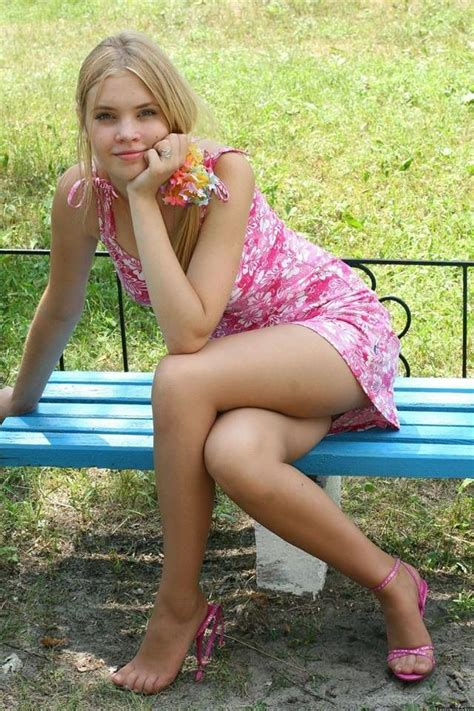 Pin On Shiny Pantyhose Girls