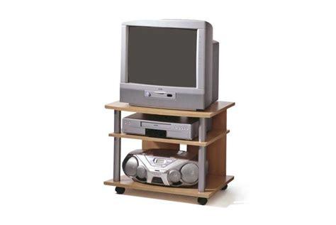 meuble tv sur roulettes ferro h 234 tre design pas cher sur sofactory