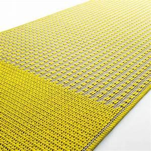 Tapis Jaune Et Bleu : tapis jaune les tapis sont de sortie elle d coration ~ Dailycaller-alerts.com Idées de Décoration