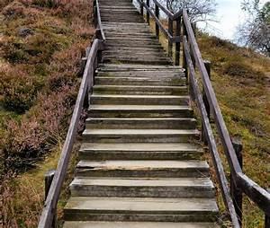 Alte Holztreppe Sanieren : alte holztreppe alte holztreppe alte metalltreppe gusseisen kreislauf historische baustoffe ~ Frokenaadalensverden.com Haus und Dekorationen