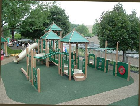meyer design playground equipment portfolio 785 | 000067 TheUniversityofAkronDaycareAkron