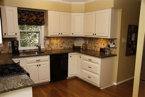 kitchen cabinet refacers 45 best cabinet refacing images on cabinet 2711