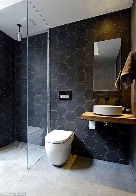 bano moderno en tonos oscuros banos cuarto de bano