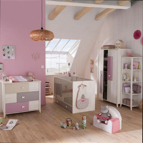 chambre fille mansard馥 awesome chambre bebe mansardee images design trends 2017 shopmakers us