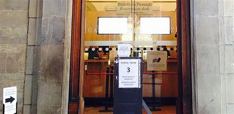 Prenotazione Ingresso Uffizi by La Porta Numero 3 Della Galleria Degli Uffizi A Firenze