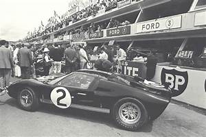 Carroll Shelby, Creator of the Legendary Cobra, Dies at Age 89 | Fords | Ford gt, Ford gt40, Le mans