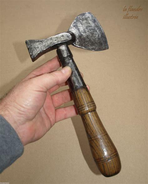 beau petit marteau de forestier eme fer forge outils