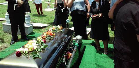 funeral dead burying homes coronavirus restrictions under christian