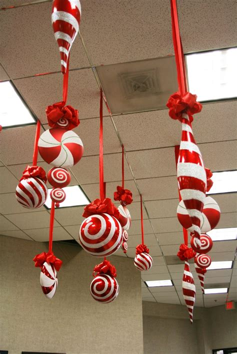 amazing hanging christmas decorations ideas