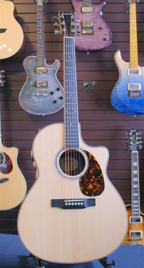 Sold-Larrivee LV09 Acoustic Guitar | CornerStone Music